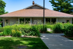 Exterior of Door County Dental Care Dentists Office in Sturgeon Bay, WI
